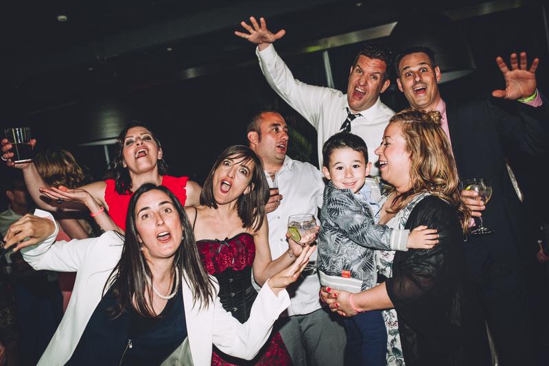 foto grupo fiesta boda